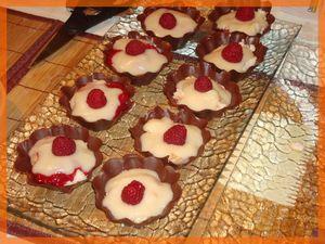 Les Charlottines aux Poires en coques de chocolat dans Empreintes briochette 70482371_p